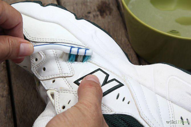 Cách làm sạch giày trắng nhanh chóng hiệu quả dành cho các quý ông - 3