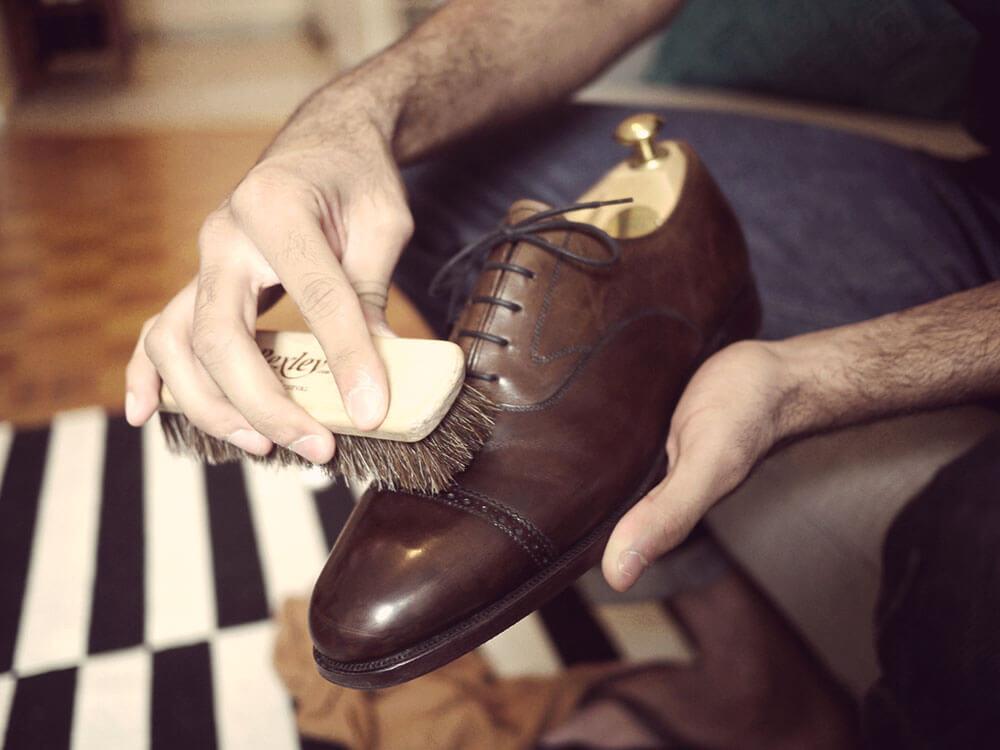Cách đánh bóng giày da nam sáng và đẹp - 4