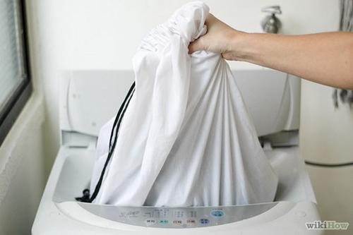 Mẹo giặt áo khoác nam bằng tay và máy giặt đúng cách - 7