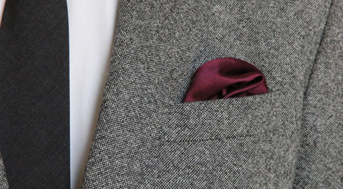 Hướng dẫn cách gấp khăn trang trí tui áo vest nam - 5