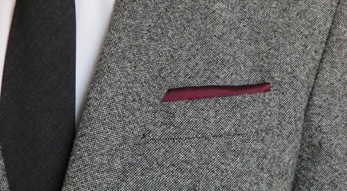 Hướng dẫn cách gấp khăn trang trí tui áo vest nam - 3