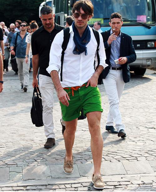 Cách mặc quần áo đi du lịch hè dành cho nam - 1