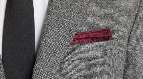 Hướng dẫn cách gấp khăn trang trí tui áo vest nam - 1