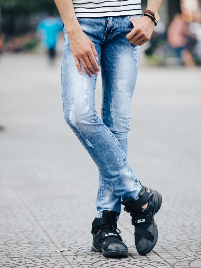 Những mẫu quần jean nam đẹp nhất hiện nay tại 4men - 7