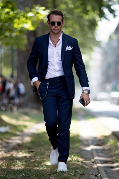 Cách mix đồ nam với vest xanh đen và xanh đậm - 8