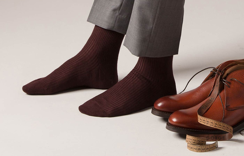 Vì sao phái mạnh nên mang vớ khi đi giày - 2