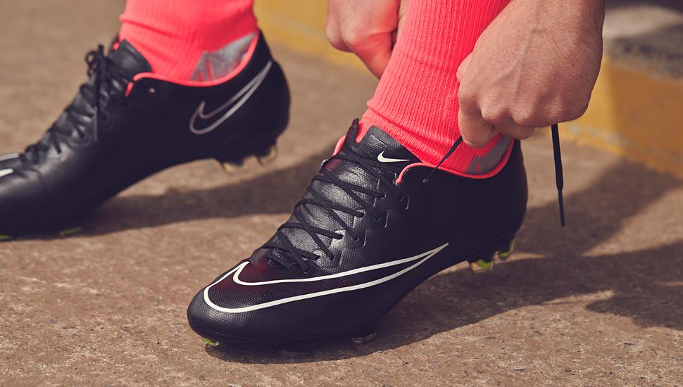 Hướng dẫn mua giày thể thao nam chơi bóng đá đúng cách - 2