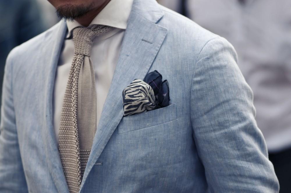 Chọn khăn pocket square cho áo vest nam thời trang và lịch lãm - 1