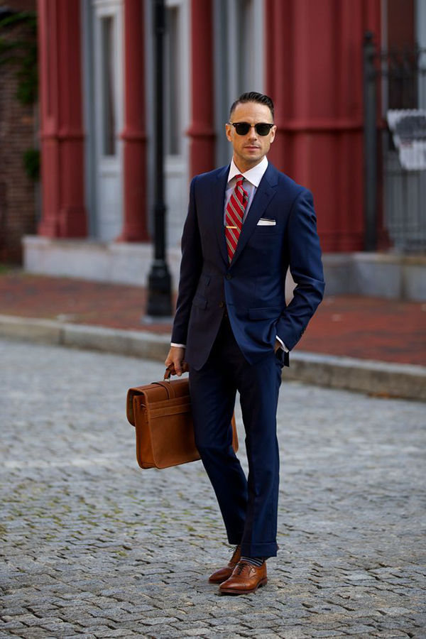 Cách phối túi xách da nam đẳng cấp dành cho các quý ông công sở - 1