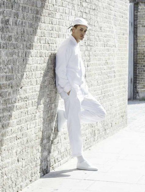Cách phối đồ với quẩn jean nam trắng trong mùa hè - 1