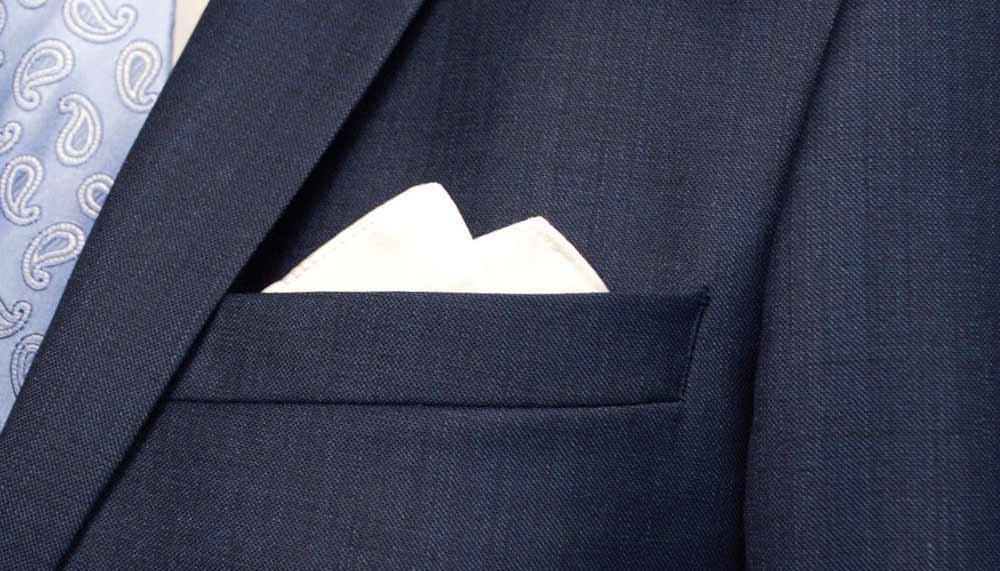 Phụ kiện đi kèm vest giúp phái mạnh thêm tự tin nổi trội - 2