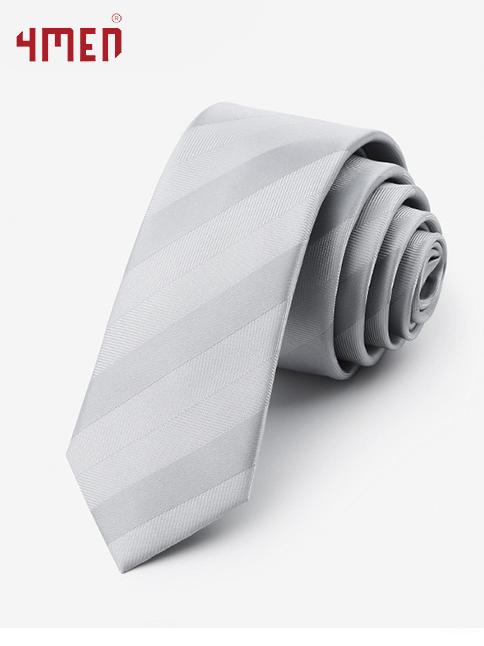 Phụ kiện đi kèm vest giúp phái mạnh thêm tự tin nổi trội - 1