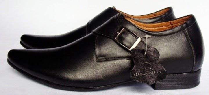 Làm cách nào để nhận biết giày da nam thật giả?