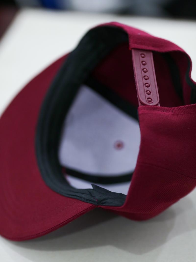 Nón Snapback Đỏ Đô N289