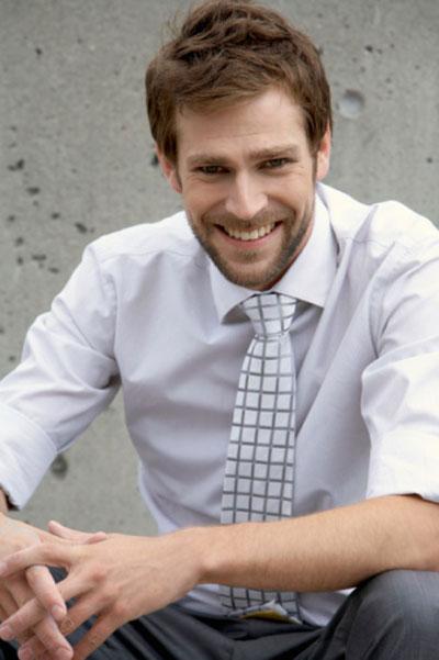 Hướng dẫn cách chọn size áo sơ mi nam theo chiều cao, cân nặng