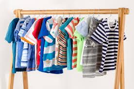 Cách khử mùi hôi ẩm mốc trên quần áo cũ dành cho nam giới