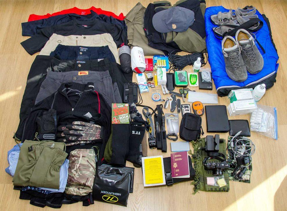 Đàn ông nên mặc đồ gì khi đi du lịch?