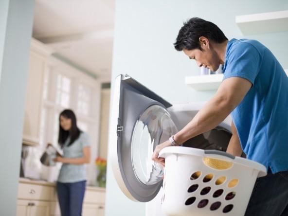 Mẹo giặt giũ quần áo dễ dàng dành cho nam giới