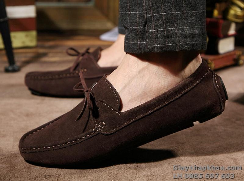 Nam mang giày gì trong những ngày hè