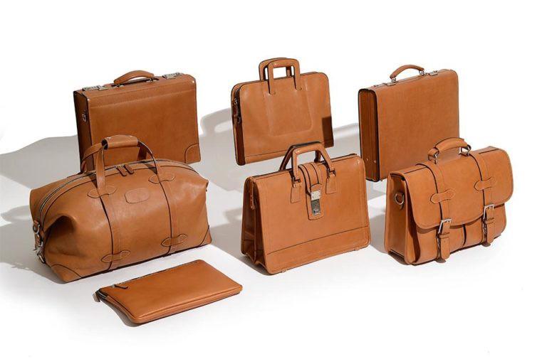 Cách phối túi xách da nam đẳng cấp dành cho các quý ông công sở