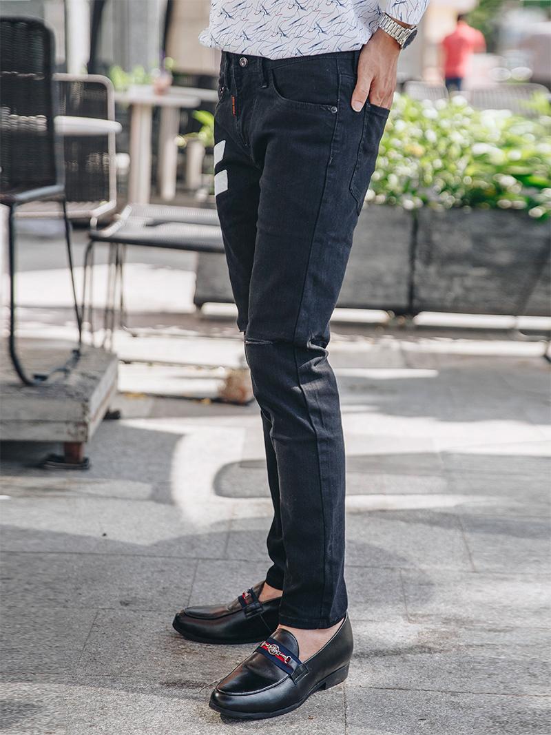 quan jeans rach den qj1615