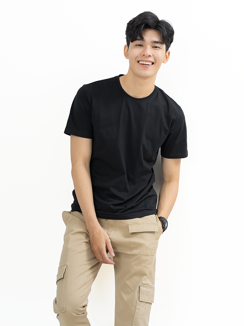 ao thun tron can ban form slimfit at018